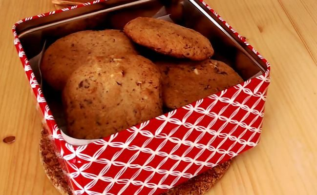 Keksići sa čokoladom, brusnicom i kikirikijem